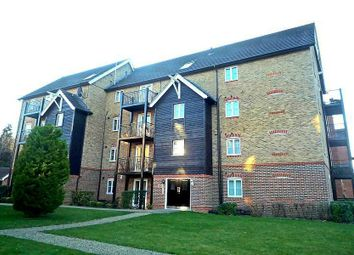 Thumbnail 2 bedroom flat to rent in Fryers Lane, High Wycombe