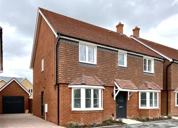 Aurum Green, Crockford Lane, Chineham, Hampshire RG24. 4 bed detached house