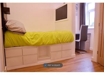 Room to rent in Derby Road, Salford M5