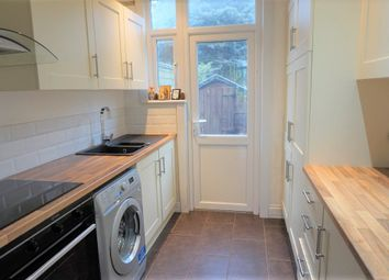Thumbnail Room to rent in Connaught Gardens, Palmers Green, London