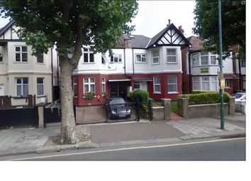 Thumbnail Studio to rent in Chichele Road, Cricklewood