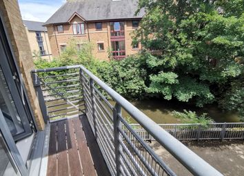 2 bed flat for sale in Woodins Way, Oxford OX1