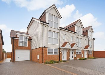 3 bed town house for sale in Juniper Way, Hawkinge, Folkestone CT18