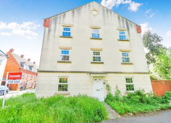 Thumbnail Town house for sale in Deneb Drive, Oakhurst, Swindon