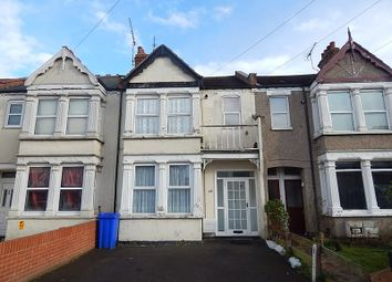 Thumbnail 1 bed flat to rent in Victoria Road, Southend-On-Sea, Essex