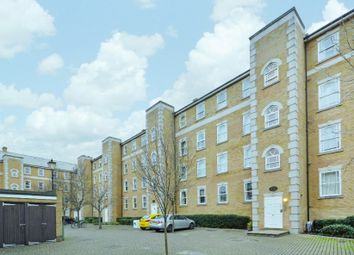 Thumbnail 2 bedroom flat to rent in Clarence Mews, London