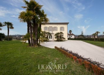 Thumbnail Villa for sale in Lucca, Lucca, Toscana