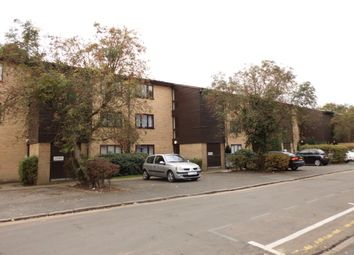 Thumbnail 1 bed flat to rent in Victoria Road, Slough
