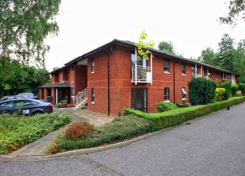 Thumbnail 1 bedroom flat for sale in Robert Jennings Close, Cambridge