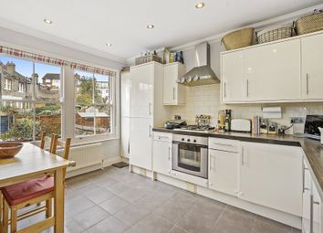 Thumbnail 2 bedroom flat for sale in Stapleton Hall Road, Stroud Green, London