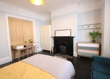 Thumbnail 4 bed maisonette to rent in Great College Street, Brighton