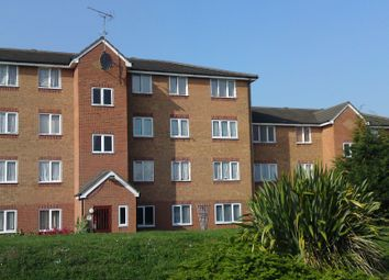 1 bed flat to rent in Express Drive, Goodmayes IG3