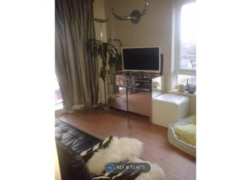 Room to rent in Heritage Avenue, London NW9