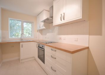 2 bed flat to rent in Crowthorne Lodge, Crowthorne Road, Bracknell RG12