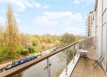 2 bed maisonette for sale in Palmers Road, Bethnal Green E2