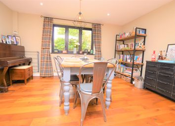 Nuthatch Close, Rowlands Castle PO9. 3 bed detached house for sale