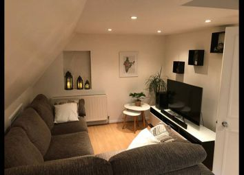 Thumbnail 2 bed flat to rent in Medeley Road, Ealing, London