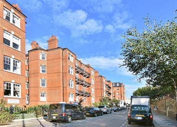 Thumbnail 3 bed flat to rent in Kelvedon Road, Fulham
