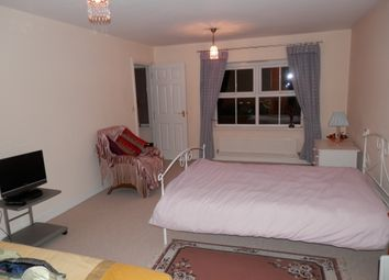 Thumbnail 3 bedroom shared accommodation to rent in Cardinal Close, Edgbaston