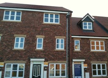 Thumbnail 3 bed town house to rent in Pilgrims Way, Gainsborough