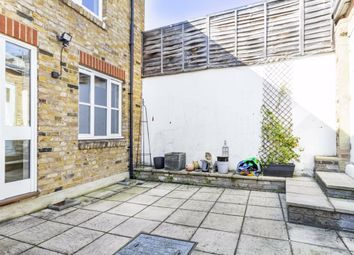 2 bed property to rent in Station Road, Hampton TW12