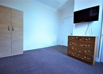 Thumbnail Room to rent in Romford Road, Stratford