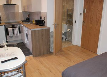 Thumbnail 1 bed flat to rent in Cross Street, Leicester