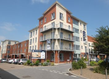Thumbnail 2 bedroom flat to rent in Bosworth House, Battle Square, Reading