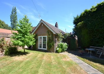 Thumbnail 2 bed detached bungalow to rent in Haroldslea Drive, Horley