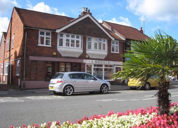 Station Road, Henley-On-Thames RG9. 2 bed flat