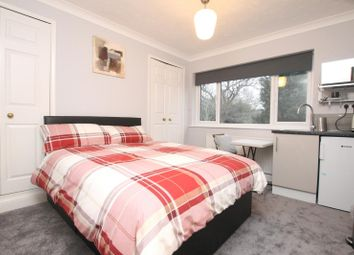 Room to rent in Brooklands Road, Weybridge KT13