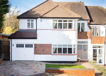 4 bed property for sale in Old Park Grove, Enfield EN2