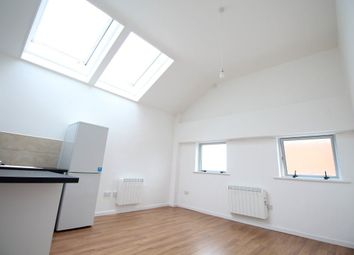 Thumbnail 2 bedroom flat to rent in Cardiff Road, Luton