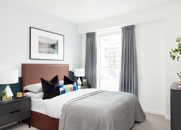 3 bed flat for sale in Silvertown Way, London E16