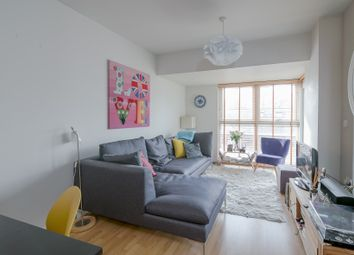 Thumbnail 1 bed flat to rent in Point Pleasant, Wandsworth