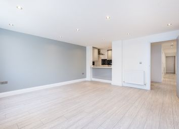 Thumbnail 2 bedroom flat to rent in Colney Hatch Lane, London