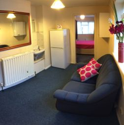 Thumbnail Studio to rent in Elms Avenue, Eastbourne