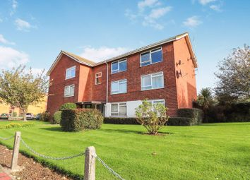 Thumbnail 2 bed flat for sale in Colbert Avenue, Southend-On-Sea