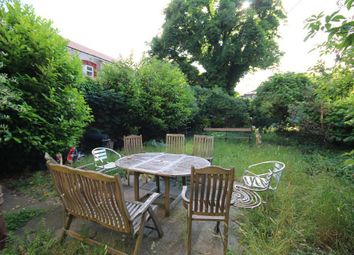 Thumbnail 3 bed flat to rent in Kingsland Road, Dalston, London