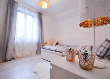 Thumbnail 1 bed flat for sale in Kingsfisher Street, East Ham