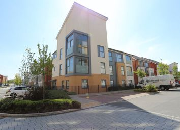 Thumbnail 1 bedroom flat to rent in Drake Way, Reading