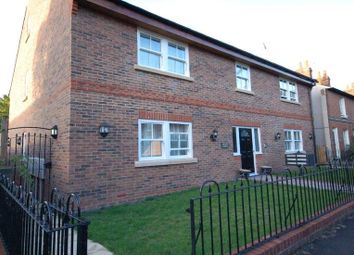 Thumbnail 1 bedroom flat to rent in Boults Walk, Reading