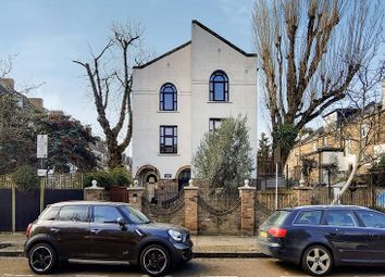 Annette Court, Annette Road, London N7. 2 bed flat for sale