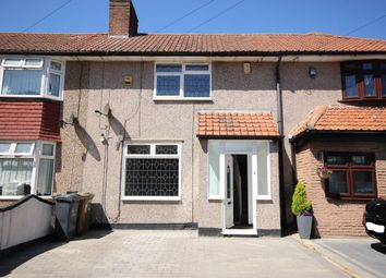 3 bed property to rent in Charlecote Road, Dagenham RM8