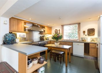 Thumbnail 5 bed flat to rent in De Beauvoir Square, London