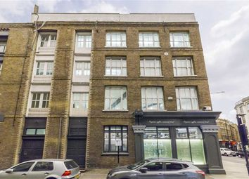 Thumbnail 3 bed flat to rent in Phipp Street, London