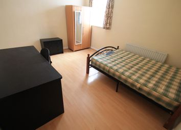 Thumbnail 3 bed flat to rent in Hibbert Street, Luton