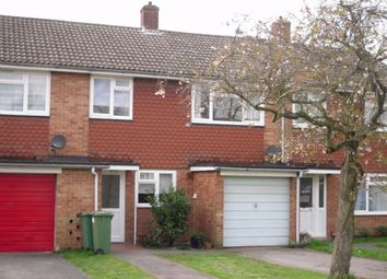 Thumbnail 3 bed flat to rent in Millthorpe Road, Horsham
