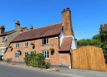 Thumbnail 4 bed property for sale in Waterside, Kings Langley