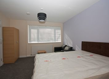 Thumbnail 3 bed shared accommodation to rent in Trefoil Crescent, Crawley